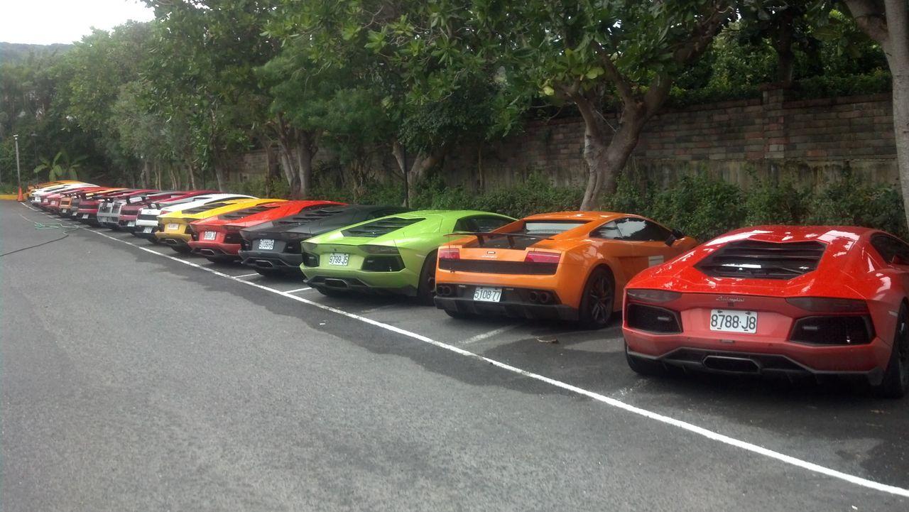 17 Lamborghinis
