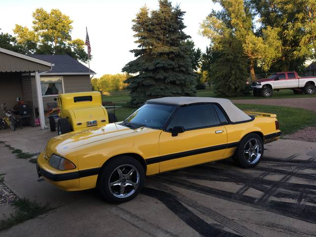 1988 Ford Mustang LX, Yellow, Rear Wheel