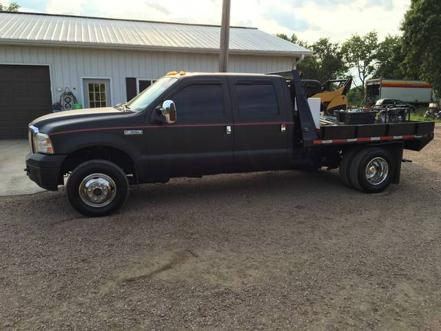 2005 Ford F-350 Super Duty Lariat, Black Clearcoat (Black), 4 Wheel