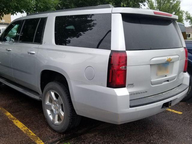 2015 Chevrolet Suburban, Silver Ice Metallic (Silver)