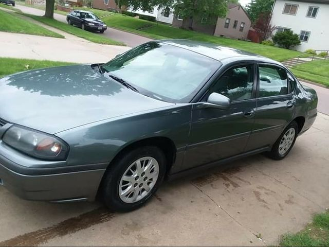 2004 Chevrolet Impala Base, Medium Gray (Gray), Front Wheel