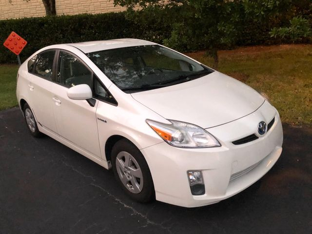 2011 Toyota Prius Two, Blizzard Pearl (White), Front Wheel