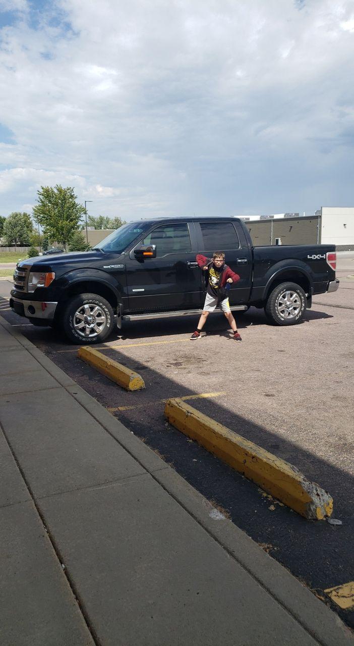 2013 Ford F-150 Lariat | Sioux Falls, SD, Tuxedo Black Metallic (Black), 4X4