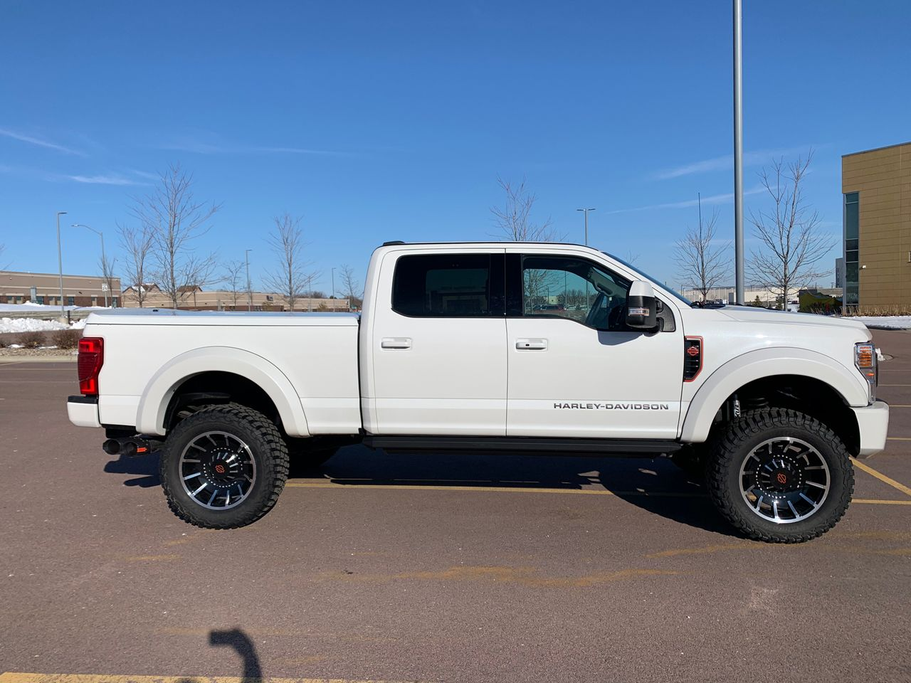 2020 Ford F-250 Super Duty Platinum | Sioux Falls, SD, Star White Metallic Tri-Coat (White), 4X4