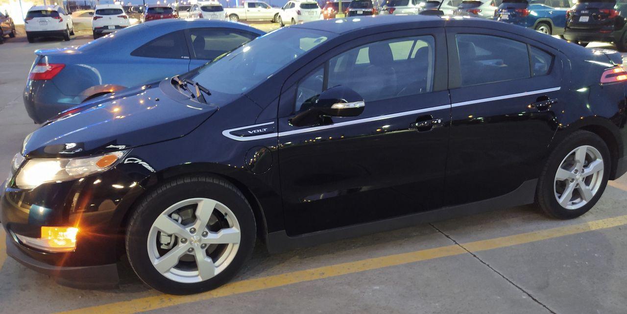 2015 Chevrolet Volt Premium | Sioux Falls, SD, Black (Black), Front Wheel