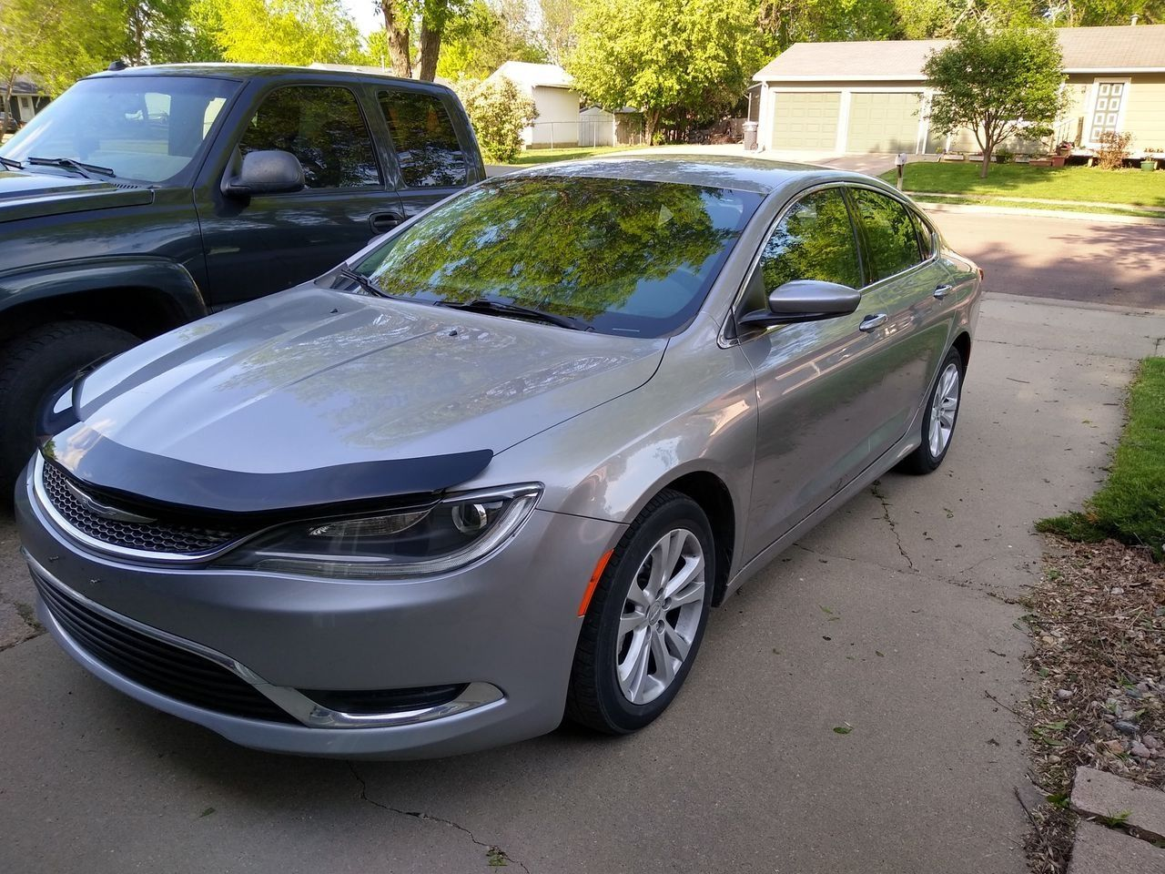 2016 Chrysler 200 Limited | Sioux Falls, SD, Billet Silver Metallic Clear Coat (Silver), Front Wheel