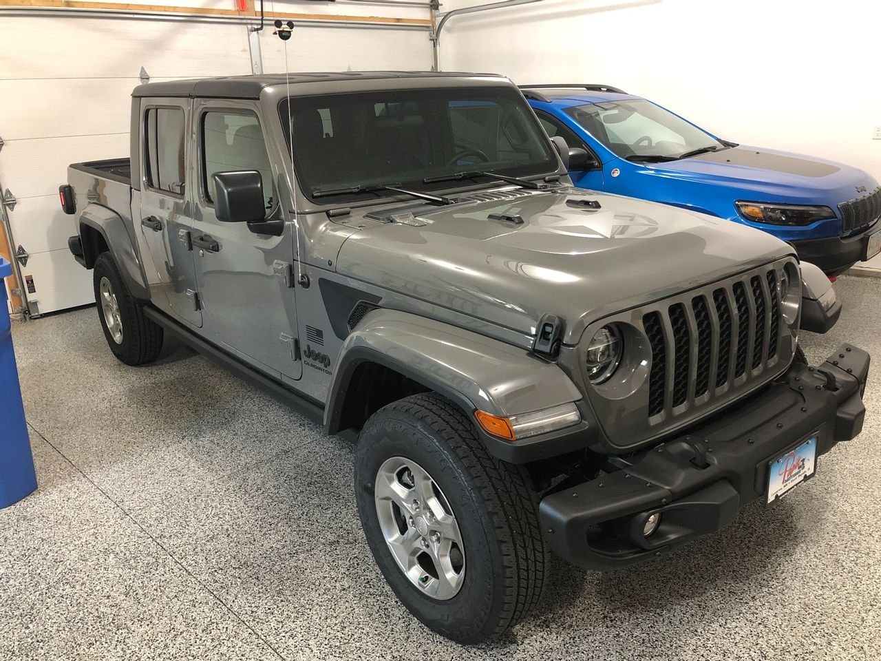 2021 Jeep Gladiator Freedom   Sioux Falls, SD, Sting-Gray Clear Coat (Gray), 4X4